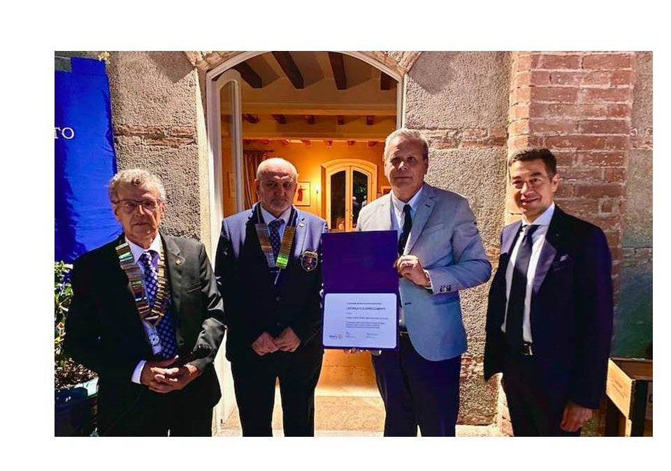 Professioni sanitarie Tsrm Pstrp, il Presidente Peroni premiato con il Paul Harris Fellow dal Rotary Club Brescia Nord